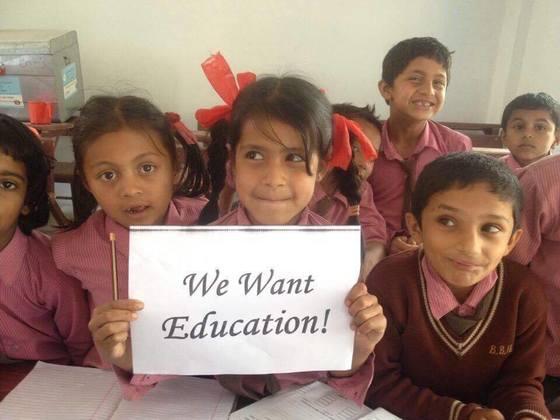高校卒業を当たり前に。ネパール・ポカラの子ども10人に奨学金を