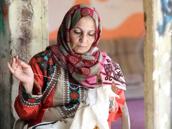パレスチナ刺繍の魅力を伝えたい!ガザ難民女性300人の誇りを