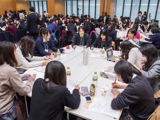 首相夫人が発起人! 高校生が東北の復興を考える場を作りたい!