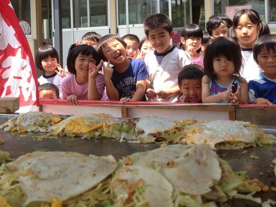 東北被災地のこども達に広島お好み焼で元気を届けたい!