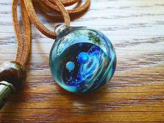壮大な宇宙をガラスの中に表現!世界にひとつの宇宙をあなたに。
