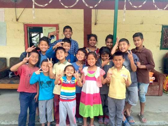 ネパールの子ども達に50本のギターを!国内初の合奏団を作りたい