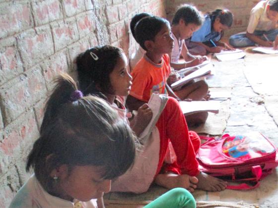 カーストにより差別されたインドの子ども達に夢をつかむ学び舎を