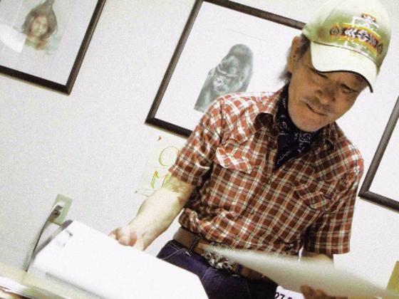元ホームレスの画家・クレイジーマイクさんの個展を開催したい!