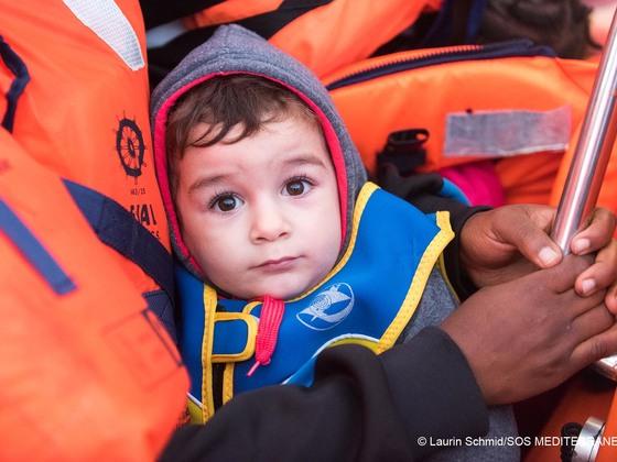 命がけの地中海横断!祖国を逃れた難民たち、20万人からのSOS