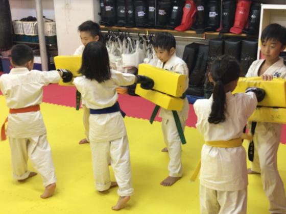 スポーツで発達障害を改善!子どもたちに無料で空手を教えたい!