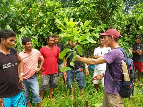 歴史的大水害を受けたアマゾンで農民と森を守る農業を復活!