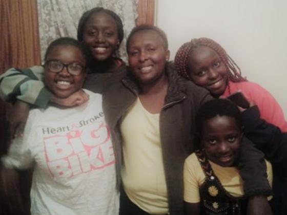 エイズで苦しむ家族を後押し!ケニアで14年間続く活動を支えたい