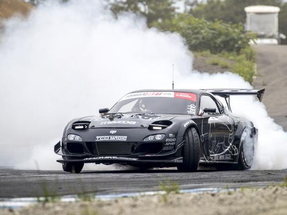 夢の4ローターエンジンで、フォーミュラDジャパン総合優勝を!