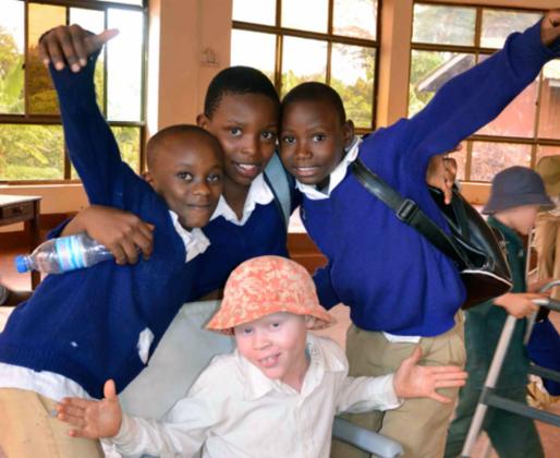 アルビノ・盲目・孤児の子どもたちのため家をタンザニアに建設!