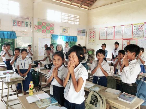 勉強が大好きなカンボジアの子どもたちへ、教科書を贈りたい!