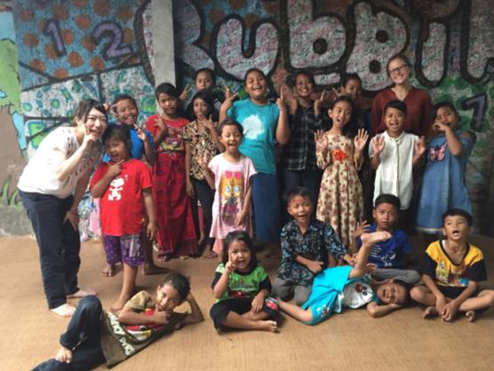 インドネシアに扇風機とミシンを。子どもたちに学びの場を!