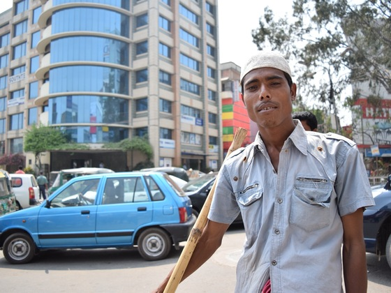 バングラの貧困をアートで救う!リキシャアートでTシャツ作成!