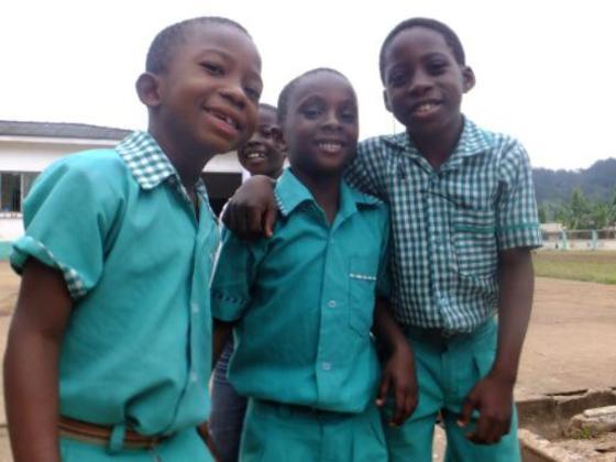 ガーナの主食、キャッサバを孤児院のこどもたちと作りたい!