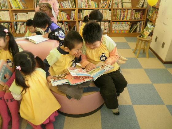 被災地の「女川つながる図書館」を大好きな本でいっぱいにしよう