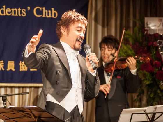 リリカ・ポップ歌手ピーノ松谷の「名曲で愛を歌う」CD製作
