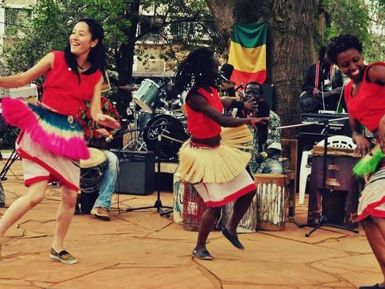 アフリカンフェスタ関西 太鼓とダンスでアフリカと日本をつなぐ
