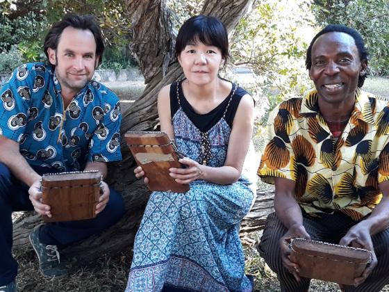 人と人が繋がるムビラ音楽の不思議な力を日本に広く伝えたい。