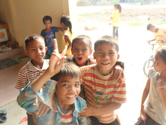 カンボジア人が自国の貧困を考えるディスカッションを行いたい!