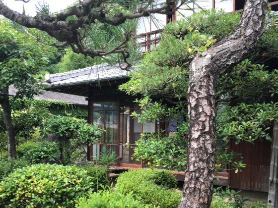 尾道の文化財古民家を改修し、クリエイターを支える宿をOPEN