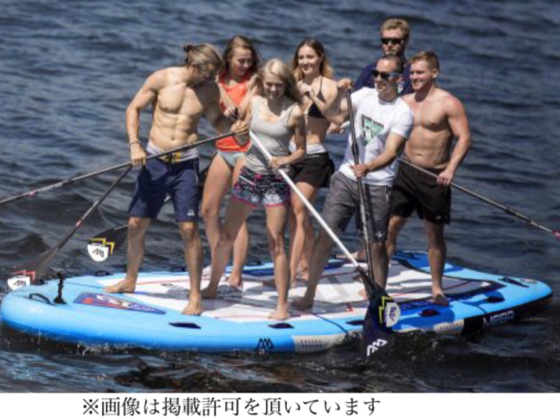 神奈川県葉山の森戸海岸で7人乗りメガSUPクルーズ体験