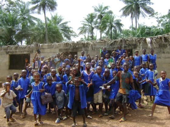 シエラレオネの農村部で育む、自立した子どもたちの栄養改善を!