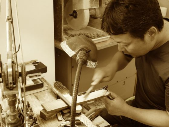 眼鏡の伝統技術を後世に!職人育成と技術継承で日本文化を守る