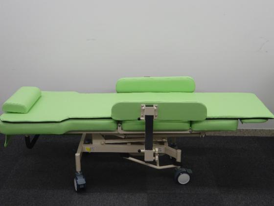 介護の負担を減らしたい!「介護用椅子兼ベッド」試作資金