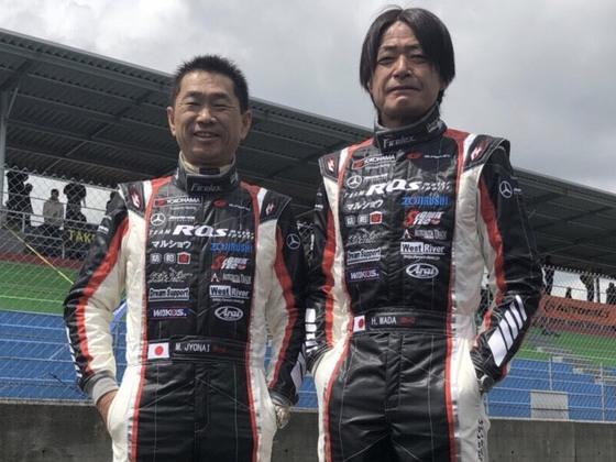 スーパーGTで奮闘中の57歳現役ドライバーコンビ。彼らに勝利を!