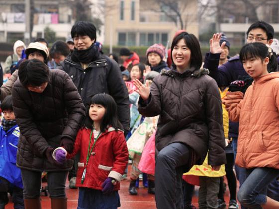 家族を対象に健康ウォークラリー大会を開催し、防災意識を高める