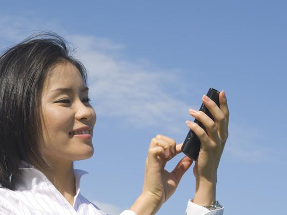 高齢者の孤独死・孤立防止をする24時間見守りアプリを開発!