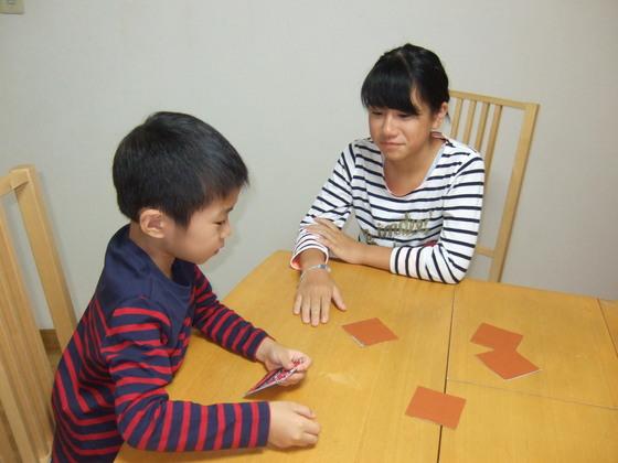 和柄と和色を使って日本の伝統文化を伝えるカードゲームを制作!