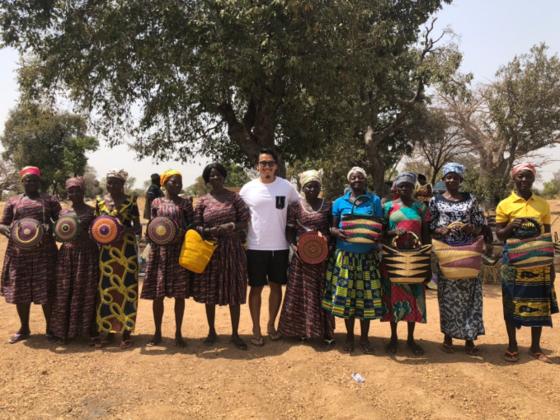 """CLOUDYバスケット工場を建設。""""TGIF""""ガーナの女性に誇りを。"""