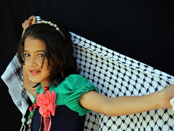 パレスチナに唯一残る工場で紡がれる最後の織物の物語を伝えたい