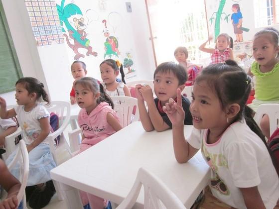 貧困地域の子らが学ぶフリースクールの壊れた屋根を直したい!
