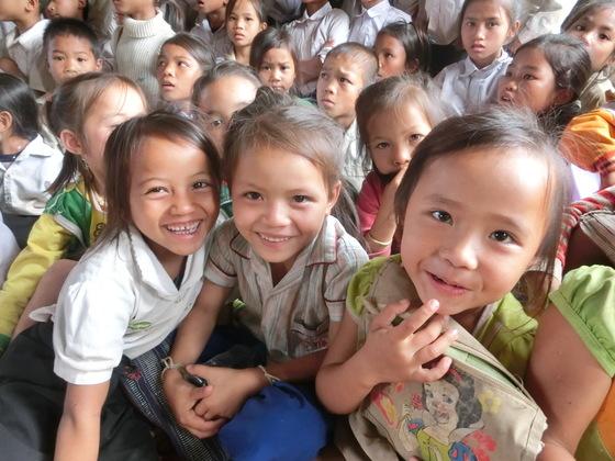 ラオスの山奥に住む子どもたちに、絵本から広がる世界を伝えたい
