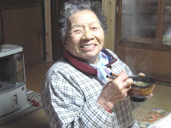施設のお年寄りに漆の器で豊かな食事の時間を過ごしてもらいたい