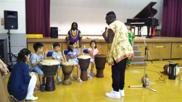 表現活動事業「アフリカの風と音 体験しよう!」
