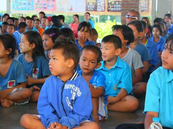 タイに住むミャンマー難民の子供たちのために学校を建てたい!