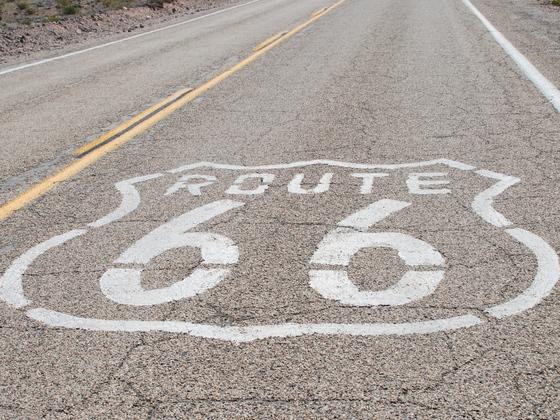 Route 66 4千kmを走破し、その魅力を広め、改修に寄付したい。