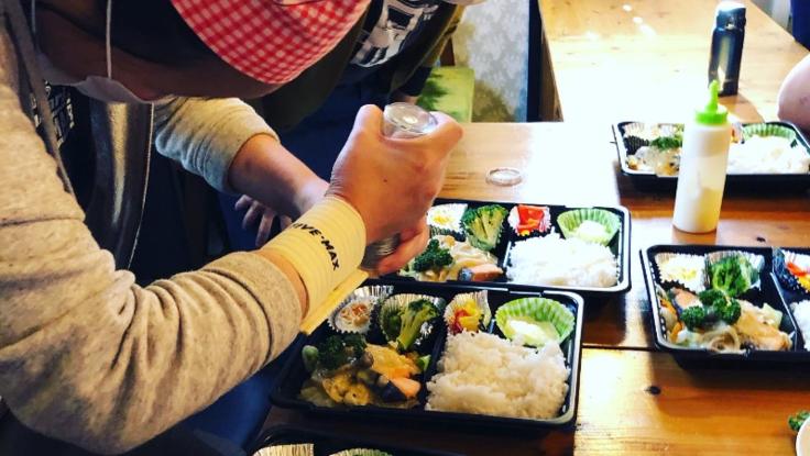 「地域で助け合い生きていく」神戸市東灘区でお弁当の無料配布を