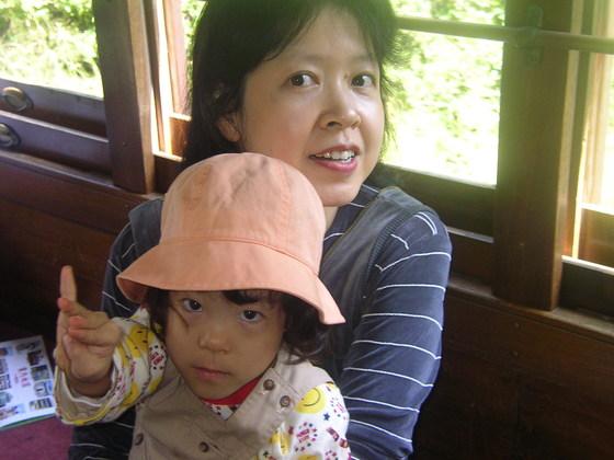 シングルマザーの54.6%が貧困状態。彼女たちの実情。