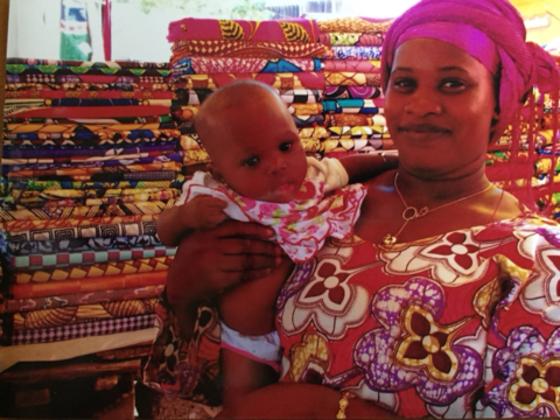 アフリカの布で雑貨を作り、日本の子育て女性に元気を届けたい!