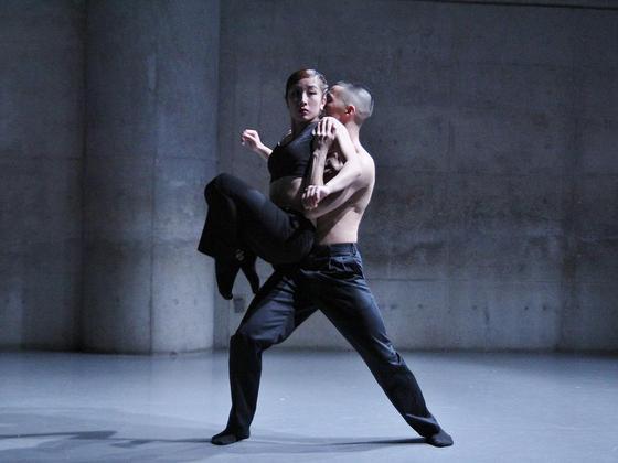 アジア3カ国でコンテンポラリーダンス2作品を上演したい!