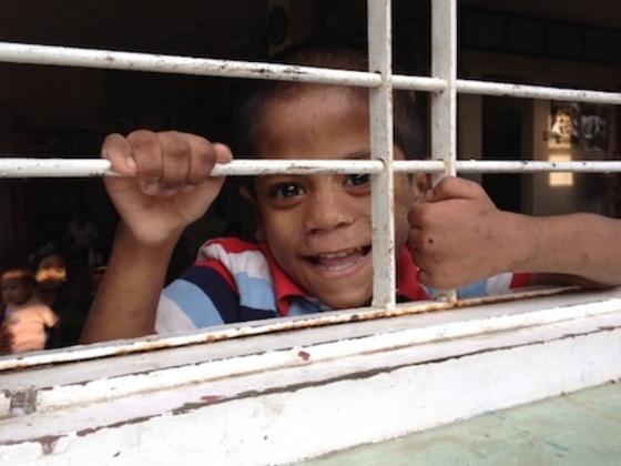ミャンマーに「道」をつくろう。HIVの子どもたちまで支援が行き届くために