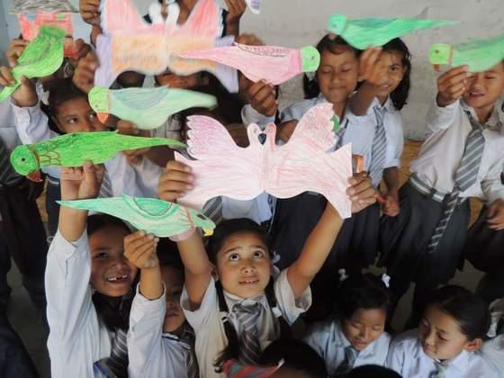 被災したネパールの子供たちに、絵をかくための画材を届けたい!