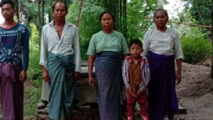 ミャンマーの家族、村の皆の為に、井戸を作り、清潔な水を