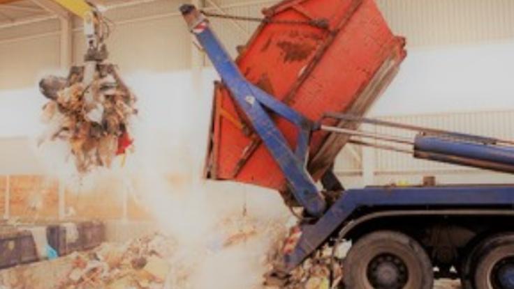 新規プロジェクト 産業廃棄物徹底仕訳により環境問題に取り組みます