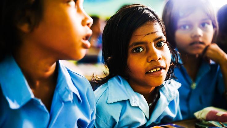 コロナ禍でも子どもたちに学ぶ場を。インドの無償の学校からのヘルプ
