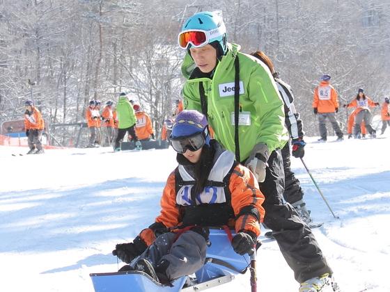 障害者スキー普及へ! レッスン環境整備と専用器具購入にご協力を